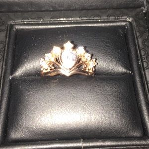 Jewelry - Lovely Rose Gold Crown Ring
